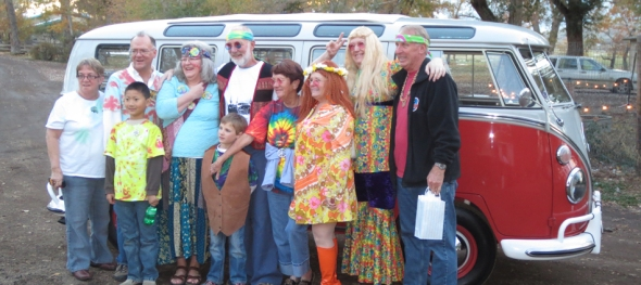 The Hippie Limo - Jim Hogan's 70th Birthday - Posing with Friends - Frogbelly Farm